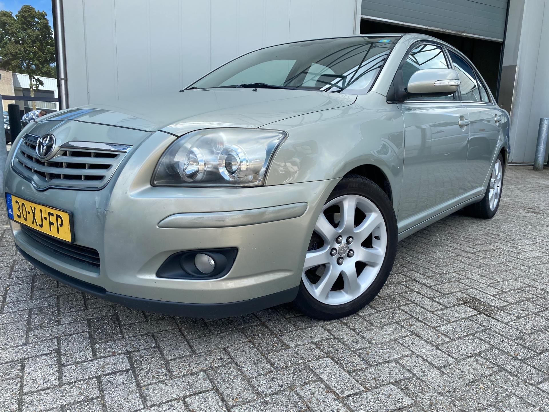 Toyota Avensis occasion - Auto Groothandel Waalre