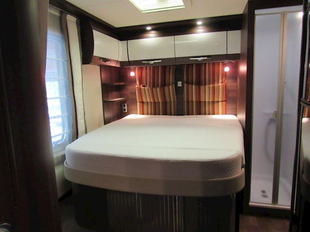 Burstner Nexxo T685 55th (fifty five) Editon Queensbed 2014
