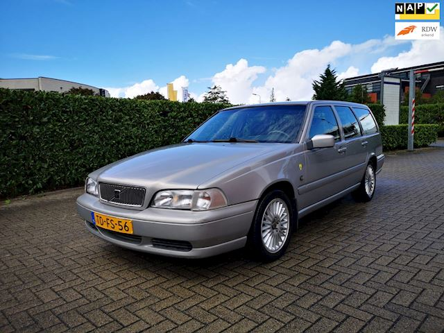 Volvo V70 2.5 Comfort-Line 7-persoons Automaat Airco Cruise NAP APK Youngtimer