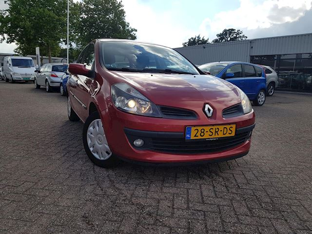Renault Clio 1.6-16V Dynamique Luxe 5drs airco