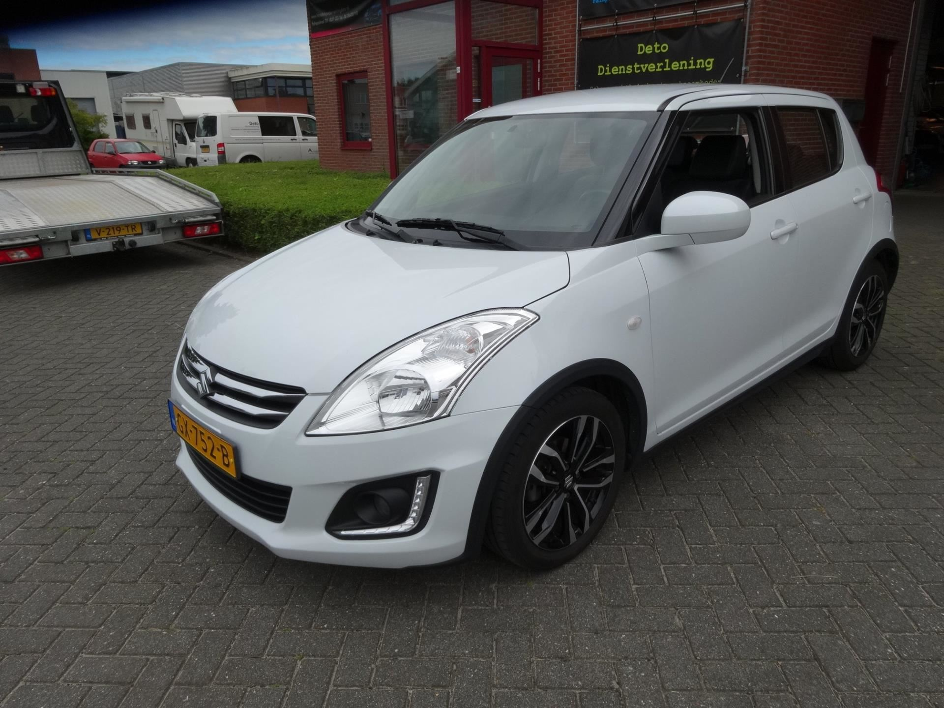 Suzuki Swift occasion - Handelsonderneming Deto