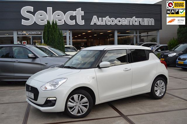 Suzuki Swift 1.2 Select | Navi | Car play | Camera