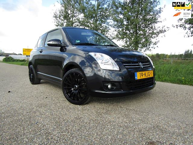 Suzuki Swift 1.3 Limited, airco, velours en NAP.