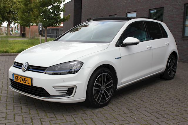 Volkswagen Golf 1.4 TSI GTE panoramadak Afneembaar trekhaak