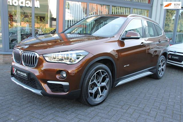 BMW X1 SDrive18i High Executive Head-up Display Navigatie Automaat Trekhaak  Garantie