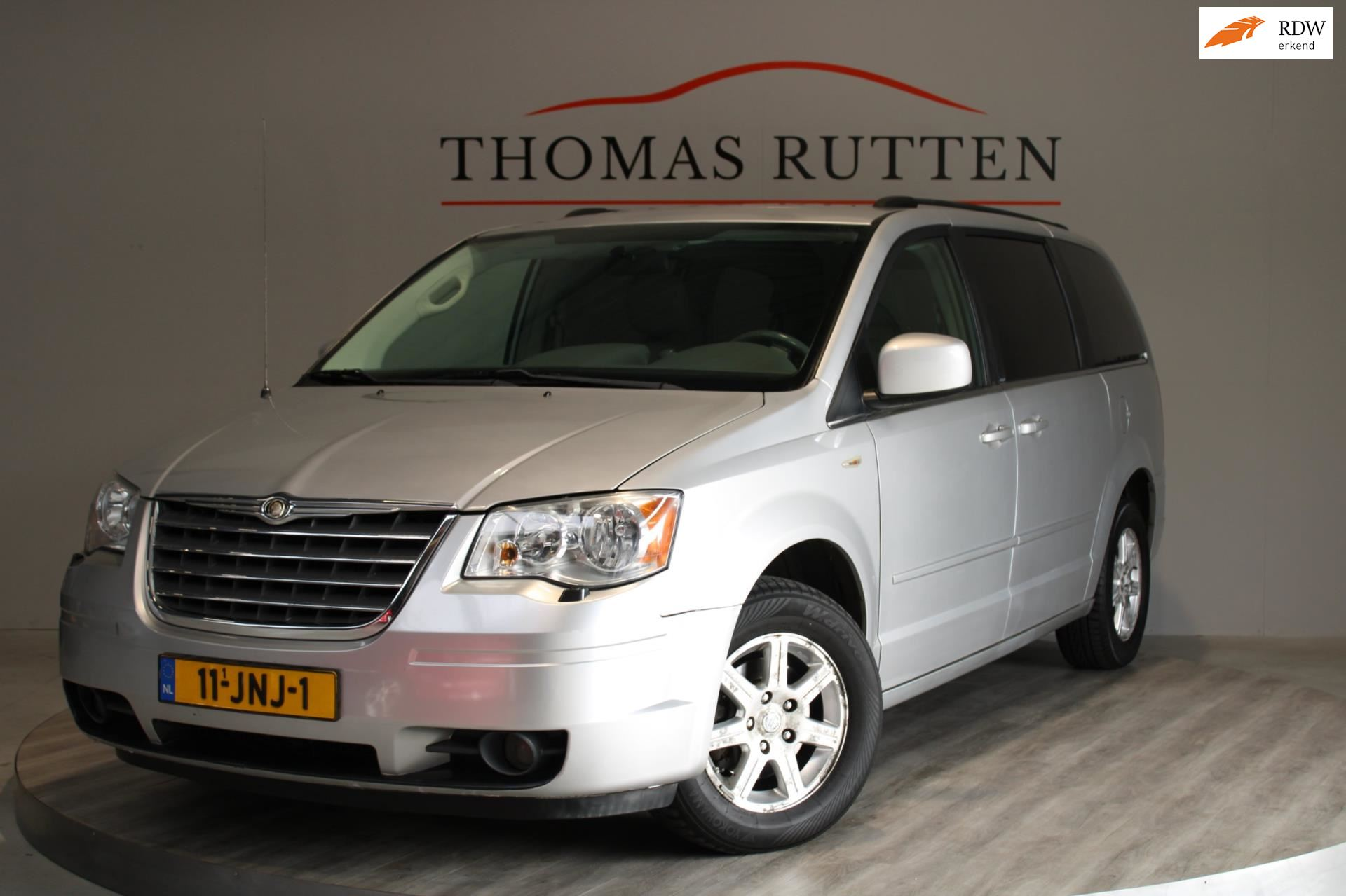 Chrysler Town  Country occasion - Autobedrijf Thomas Rutten