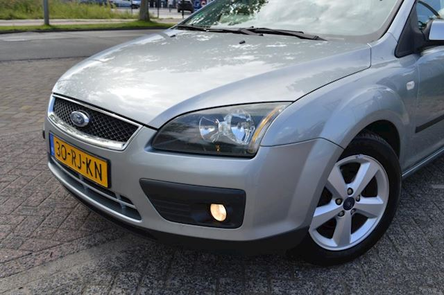 Ford Focus Wagon 1.6-16V First Edition bj05 airco Lm velgen