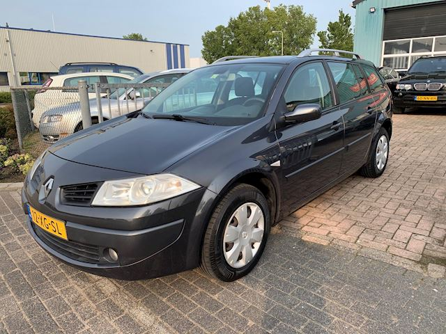 Renault Mégane Grand Tour 1.4-16V Business Line