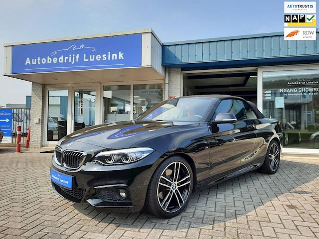 BMW 2-serie Cabrio 220i High Executive M-Sport Edition (2017 / 52900 km) Full Options! Topstaat en -Onderhoud!