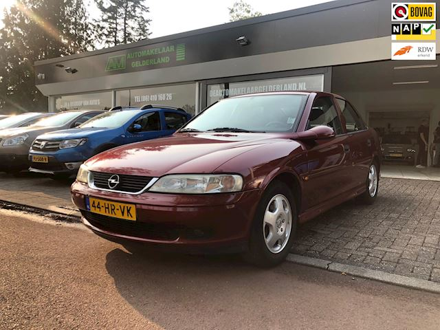 Opel Vectra 1.8-16V Business Edition Nieuwe/Airco/Lmv