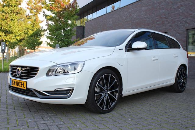 Volvo V60 2.4 D5 Twin Engine Special Edition leder panoramadak