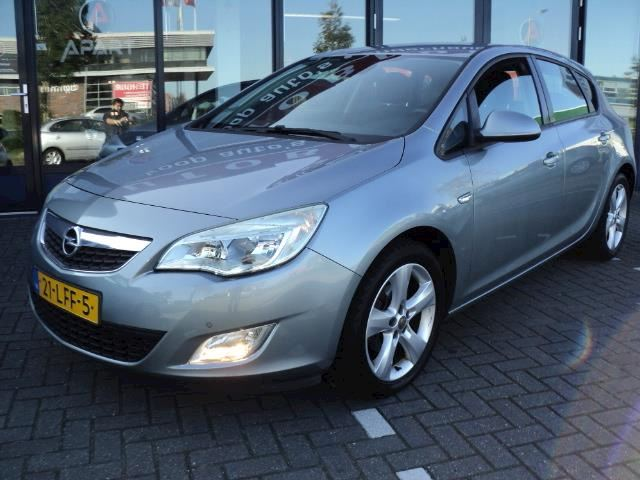 Opel Astra 1.6 Edition Vol Opties, 5drs bj 2010