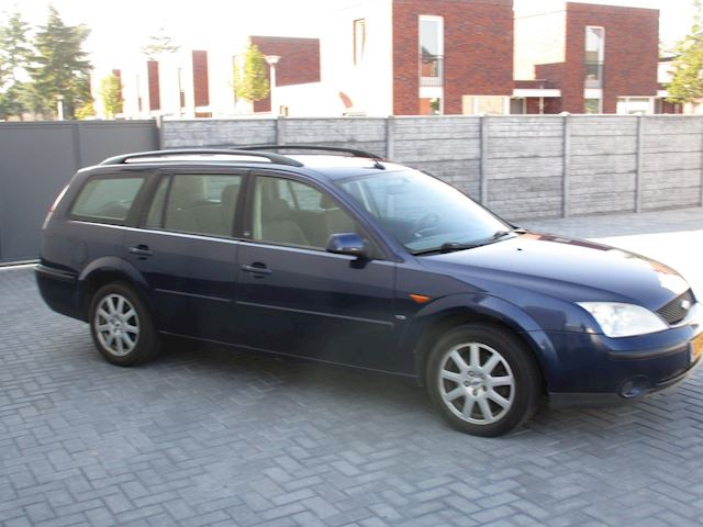 Ford Mondeo Wagon 2.5 V6 Collection AIRCO !!