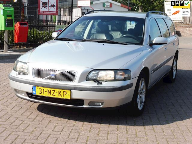 Volvo V70 2.4 D Geartronic/aut/bj2004/leer/airco/nap