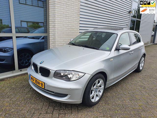 BMW 1-serie 120d Executive, Clima, Pano, P-Sensor, voll lederen, Nap, stoel verwarming, sportvelgen, Nieuwe Apk, volledige onderhouden.
