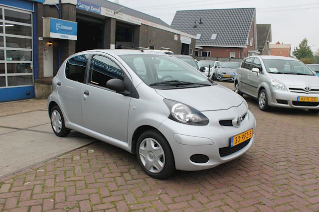 Toyota Aygo 1.0-12V Cool 5 drs airco izgstaat 2 eig.