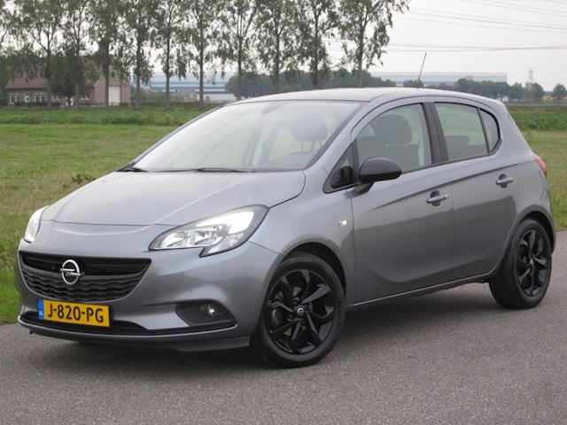 Opel Corsa 1.4 Black Edition Airco/Navig/Camera/PDC