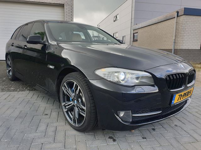 BMW 5-serie Touring 530d High Executive Sportleder Navi 19 Inch