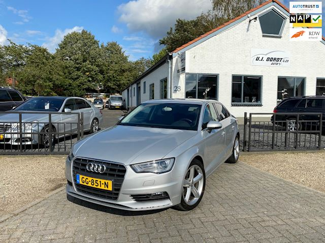 Audi A3 Limousine 1.4 TFSI CoD Ambition Pro Line S in hele keurige staat!