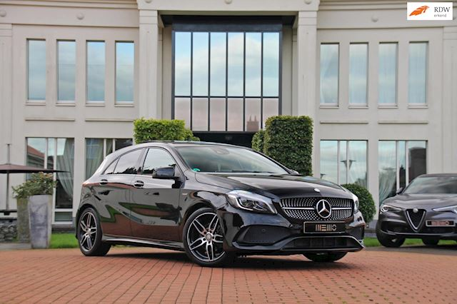 Mercedes-Benz A-klasse 180 Business Solution AMG EDITION - panoramadak - Harman Kardon - Night pakket - led verlichting - a klasse