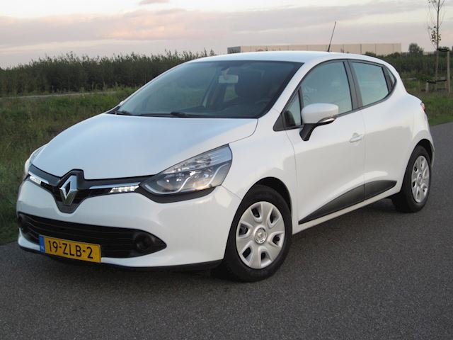 Renault Clio 0.9 TCe Expression Airco/Navig/Cr-Control/LED