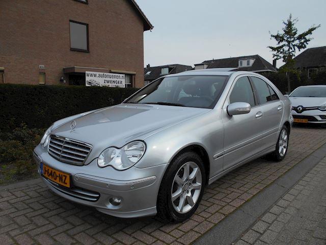 Mercedes-Benz C-klasse 200 K. AUTOMAAT|SCHUIFDAK|PARKEERSENSOREN|AUTOMATISCHE-AIRCO|PERFECT-ONDERHOUDEN