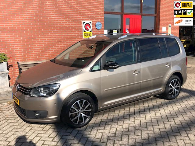 Volkswagen Touran 1.2 TSI Business Highline Bluemotion 7persoons.