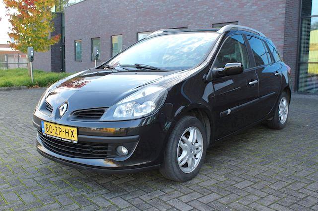 Renault Clio Estate 1.6-16V Dynamique