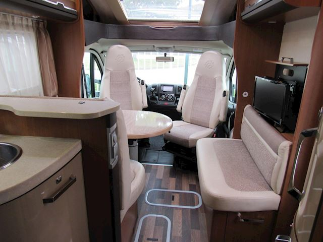 vkKnaus Sun 650 MF Semi integraal bj2012