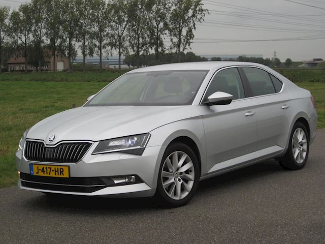 Skoda Superb 1.4TSI Business Full LED/NAVI/LEER/PDC/TREKHAAK