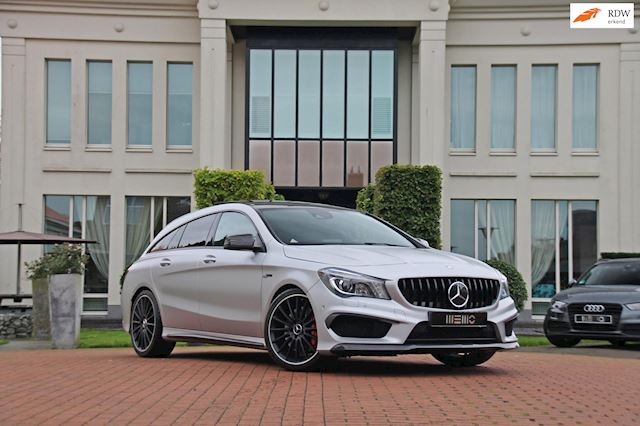Mercedes-Benz CLA-klasse Shooting Brake 45 AMG 4MATIC - NL auto - mat Iridium silver - schaalstoelen - Milltek - vol opties
