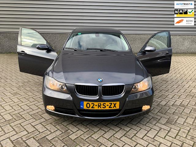 BMW 3-serie 320i Dynamic Executive I AUTO I CLIMA I CRUISE I DEALER ONDERHOUDEN!!!!!