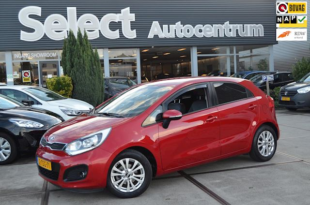 Kia Rio 1.2 CVVT World Cup Edition | Leer | Ecc | Cruise | NAP