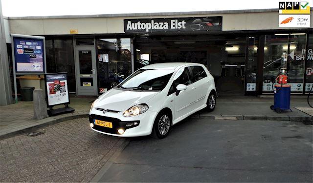 Fiat Punto Evo /zeer mooie en goed onderhouden/airco/1e eigenaar/zeer lage km+nap+nw apk/Nieuwstaat!!