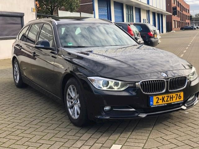 BMW 3-serie Touring 320d High Executive PANO-LEDER-GR NAVI-M STUUR