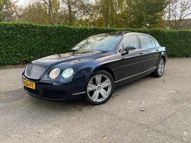 Bentley Continental Flying Spur 6.0 W12 / Full options