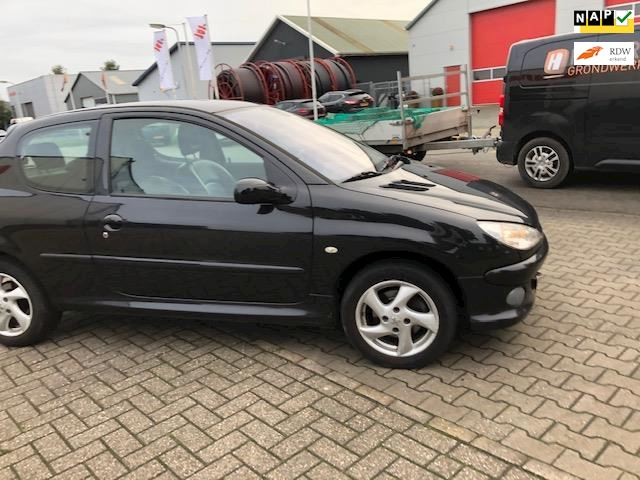 Peugeot 206 1.6 HDiF Griffe/ NETTE 206