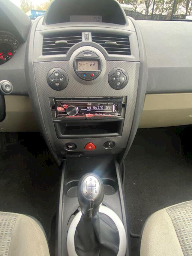 Renault Mégane 1.6-16V Business Line