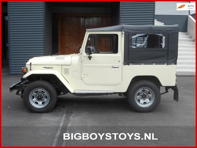 Toyota Land Cruiser FJ 40 Softtop