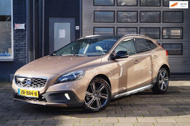 Volvo V40 Cross Country 1.6 D2 Summum | Clima | Pano | Automaat | BOM-VOL