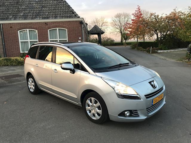 Peugeot 5008 1.6 VTi Style PANO/ PDC/ HEAD-UP DISPLAY