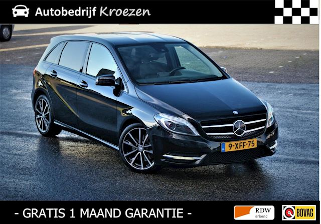 Mercedes-Benz B-klasse 250 Prestige 211 PK * Night Pakket * Camera * Leder * H&K * Dealer onderhouden *
