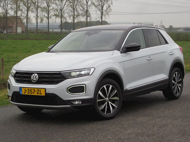 Volkswagen T-Roc 1.5TSI Sport VIRTUAL COCKPIT/LED/NAVIG/CAMERA