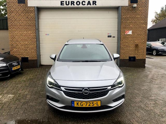 Opel Astra Sports Tourer 1.0 Business+
