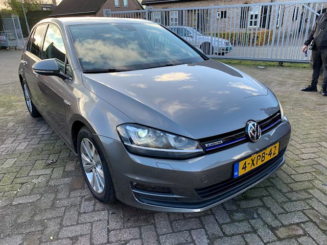 Volkswagen Golf 1.6 TDI Highline BlueMotion xenon