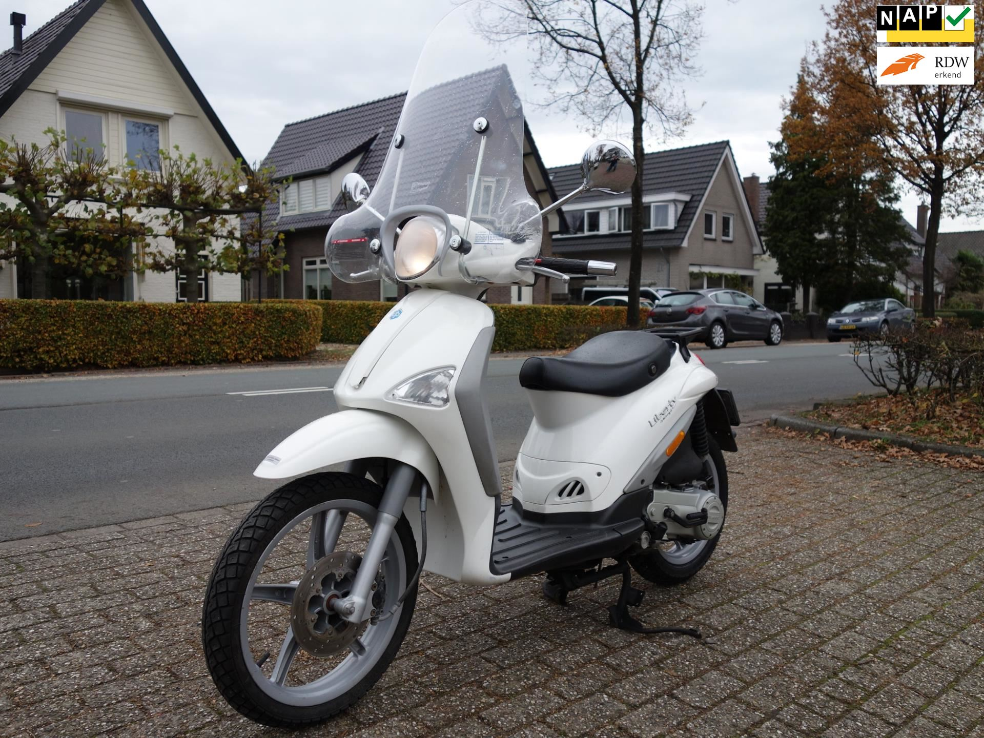 Piaggio Bromscooter occasion - De Vries Automotive Apeldoorn