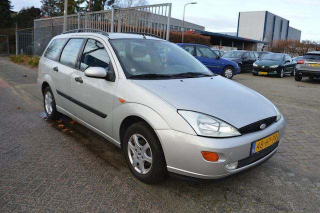 Ford Focus Wagon 1.6-16V Collection bj01 airco 87582 km NAP