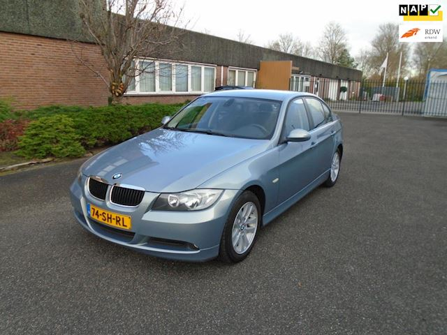 BMW 3-serie 318i High Executive Boekjes Airco NAP