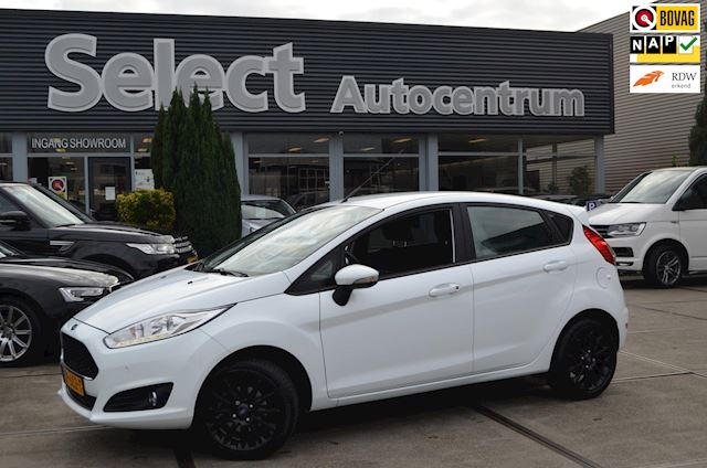 Ford Fiesta 1.0 Style Ultimate | Parkeersensoren V+A | Navi | Cruise | NAP