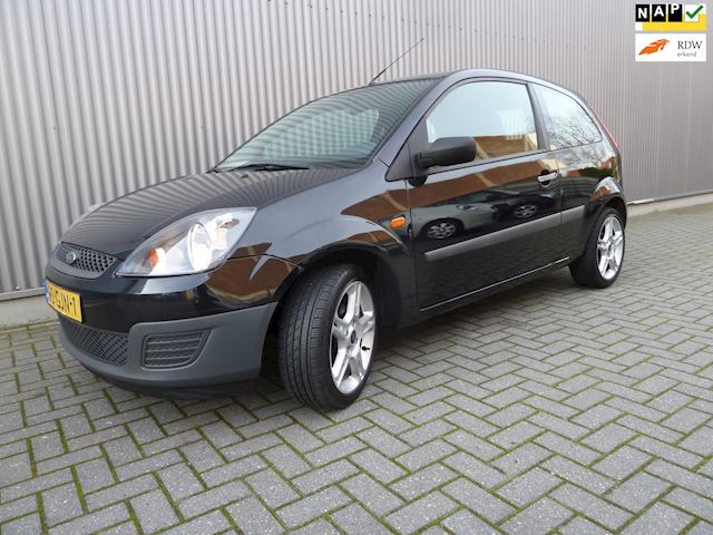 Ford Fiesta 1.3-8V Cool & Sound/Airco/Audio/zeer lage km stand.
